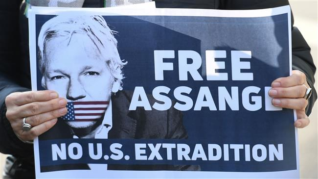 """""""FREE FREE JULIAN ASSANGE!"""""""
